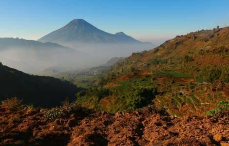 bentang alam Dieng Plateau